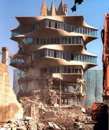 @josemanogaleria seria buena idea recuperar obras perdidas de arquitectura en una exposición  #enTUITvista http://t.co/QwzgTWC7Ui