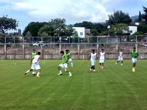 Sub21: Juegos amistosos contra Cuba en octubre del 2014. [Resultados 1-2 y 1-1] Bzb4QYNCMAAl2Lg