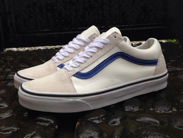 buy \u003e vans old skool cream blue, Up to