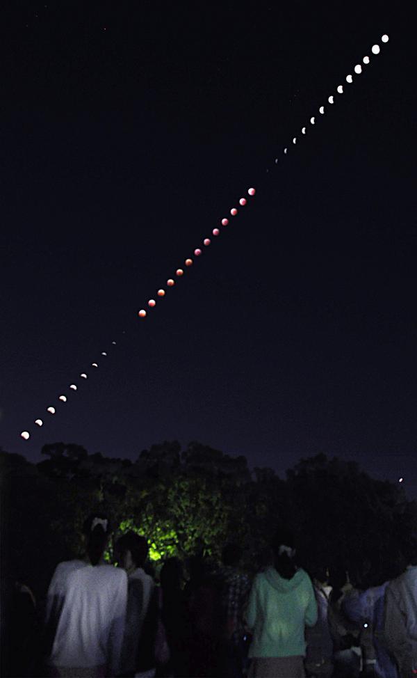 皆既月食全過程(2014年10月8日・明石公園) pic.twitter.com/lMimxKwADx
