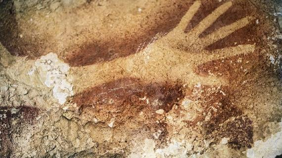 Scientists confirm: The oldest known work of art is in Indonesia http://t.co/N176rgq8u7 http://t.co/1g8nOm7Cxr