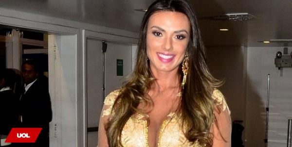 Nicole Bahls sobre homem ideal: 'quero um cara como o padre Fábio de Melo' http://t.co/QWfRqSJawZ http://t.co/P5T0nEBmLh