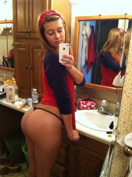 Thick ass white girls