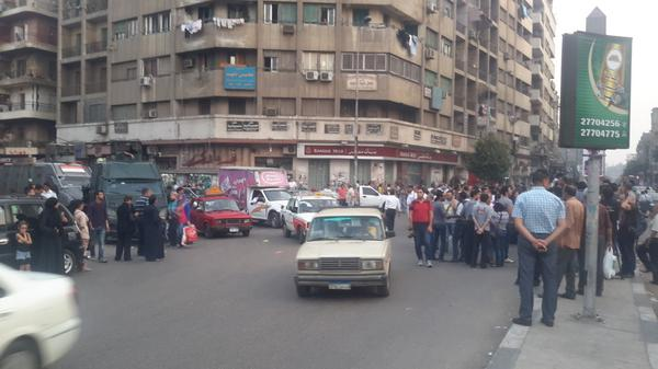 People gathering for the #Maspero anniversary protest. Police is very close. #Egypt http://t.co/uFDJiTx33j
