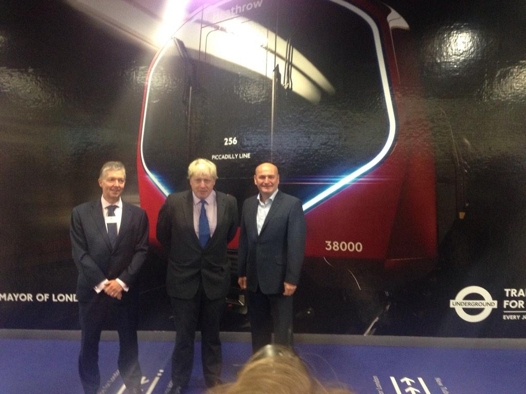 Earlier @ Kings Cross I unveiled the beautiful design of New Tube for London to allow more reliable & frequent travel http://t.co/J1hg8BOior