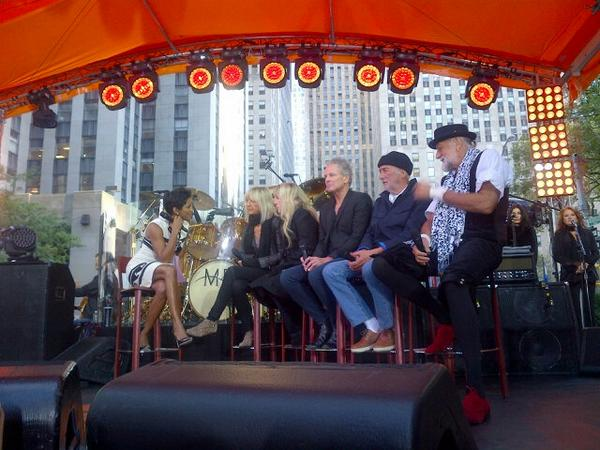 It's on. Fleetwood Mac and @TODAYshow #dream http://t.co/gSYs9C7fa2