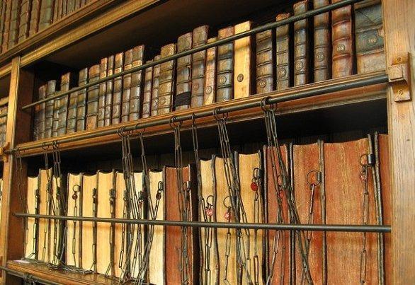 Какие секреты хранятся в Ватиканской библиотеке? BzgW6XgCEAAde8c