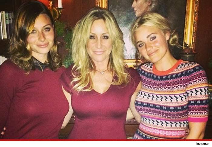 WHOA! Aly Michalka NUDE Fappening Photos LEAKED!