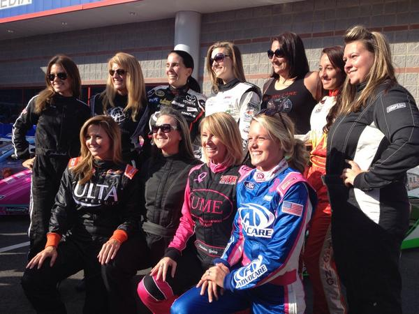 Group pic! #BetterHalfDash #NASCAR #Charity @CLTMotorSpdwy http://t.co/1QO6FwJL5S
