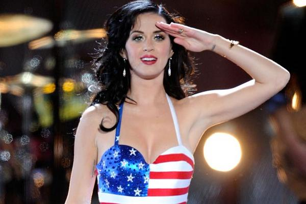 WOW! @KatyPerry will be the halftime performer at Super Bowl XLIX!!