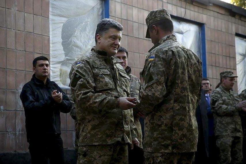 Порошенко проверил укрепления украинской армии под Донецком - Цензор.НЕТ 6006