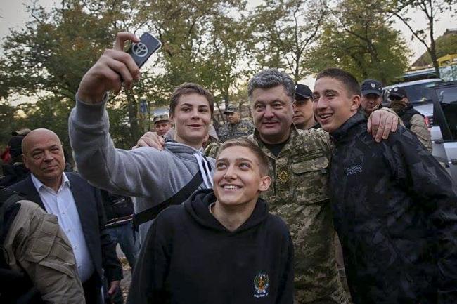 Порошенко прибыл с рабочим визитом в Северодонецк (обновлено) - Цензор.НЕТ 1333