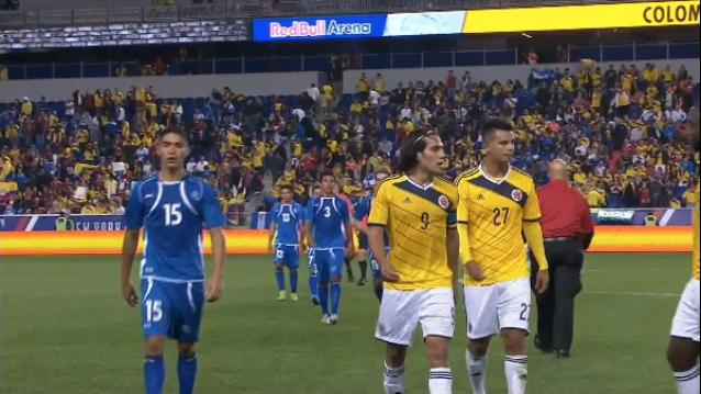 10-10-2014 - Amistoso El Salvador 0 Colombia 3. BzoIBYyIAAEeN3b