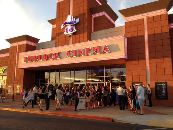 the modesto bee on twitter crowd waiting outside the turlock regal theater for the red carpet premiere of christian mingle http t co jqksuhho0a crowd waiting outside the turlock regal