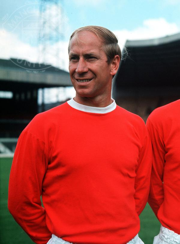 """Manchester United on Twitter: """"#mufc legend Sir Bobby ...  Manchester Unit..."""