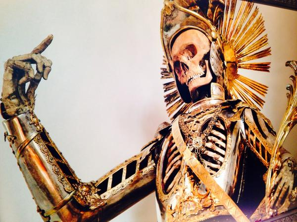Setting up the art show portion of #DeathSalonSF - one of Dr. Paul's incredible skeleton photos http://t.co/yCfZ9Xtuam