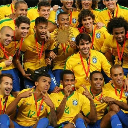 El regreso de @KAKA  A la selección & Triunfo de Brasil!! Felicidades campeón. http://t.co/UAB93yNw6M