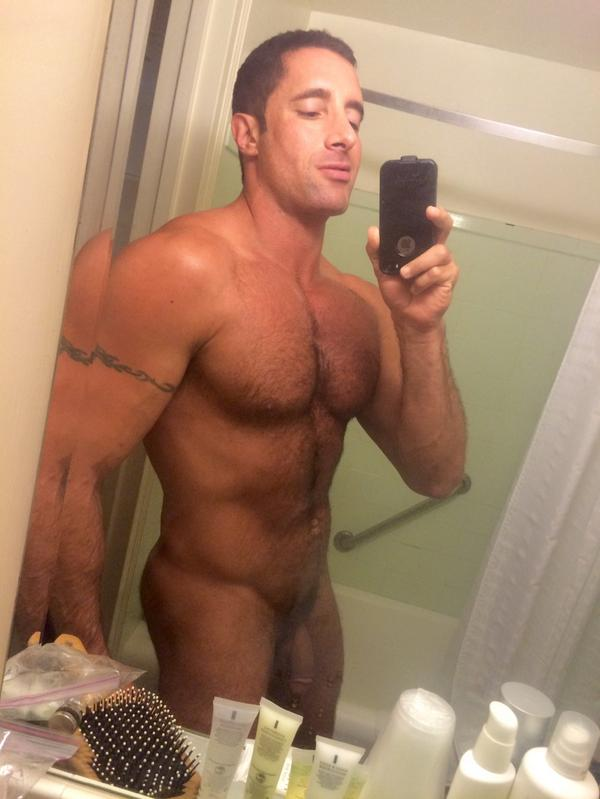 on twitter nickcapra pre concert shower naked