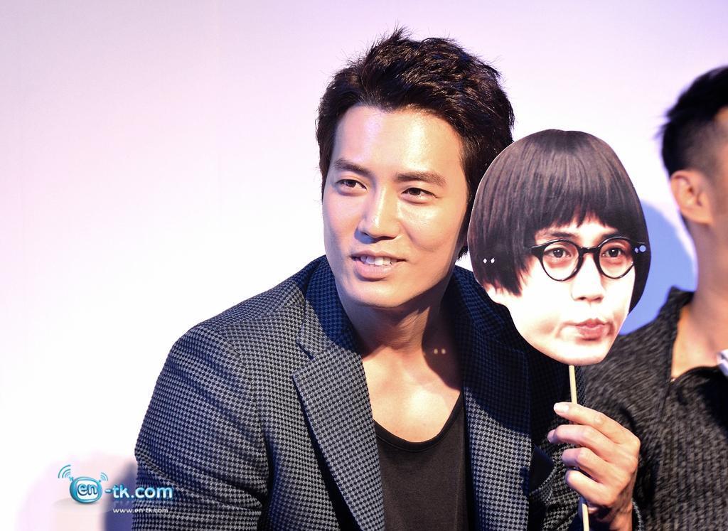Joo Sang-Wook (주상욱 ) - Pagina 5 BzvP9asCYAAnr0o