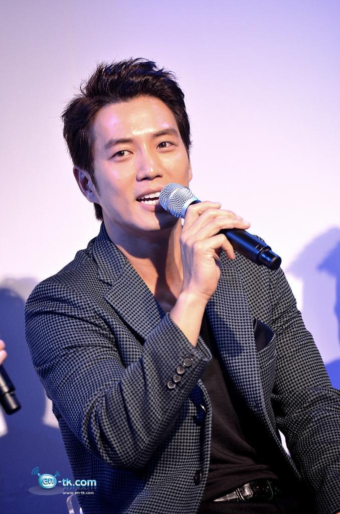Joo Sang-Wook (주상욱 ) - Pagina 5 BzvQzt6CUAA3Ba_