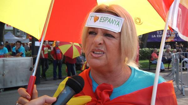 VÍDEO Els manifestants contra la independència expliquen perquè no volen que votis. http://t.co/gp6cgw0alx http://t.co/YT9f20s8bo