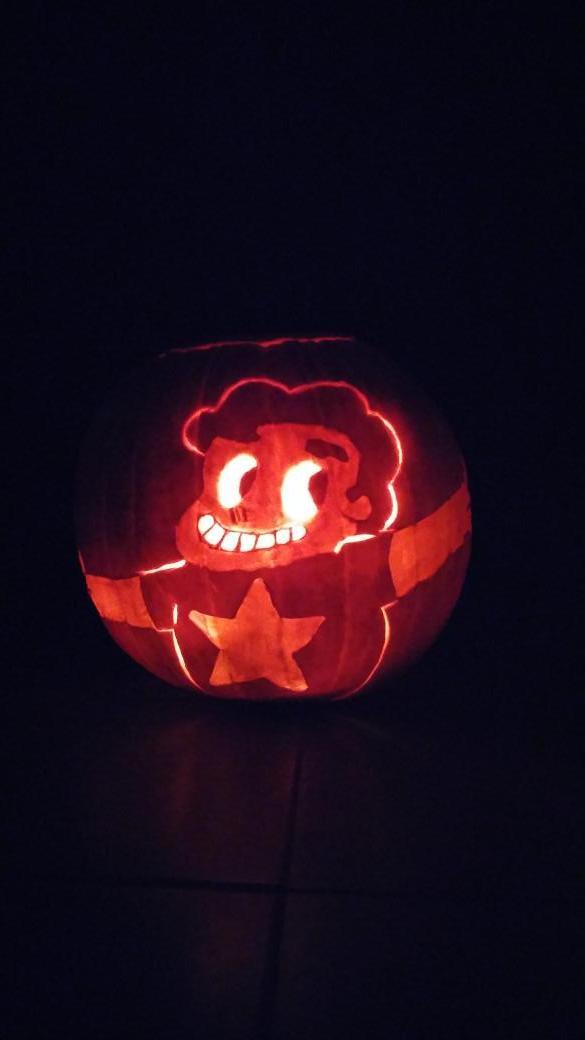 Steven Universe pumpkin! @cartoonnetwork #stevenuniverse #cartoonnetwork #steveolantern #letmedrivemyvanintoyourheart