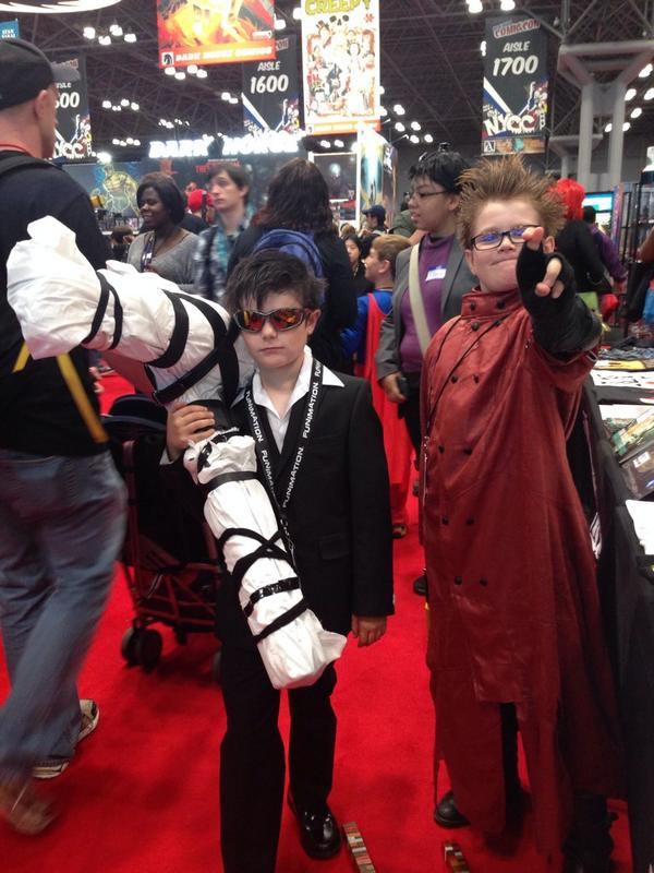 It's kids day at #NYCC14 so here's a pint-sized pair of Trigun cosplayers! cc: @nightow @DarkHorseComics http://t.co/J6NtnmBSuW