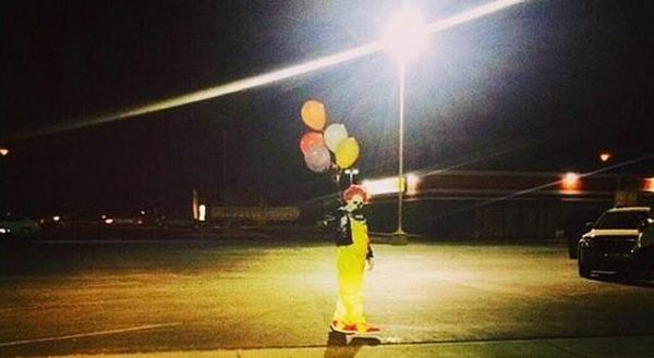 Police in Central CA on high alert after receiving a call of a clown wielding a firearm http://t.co/wfPNzp95kW http://t.co/QLDfYBwvHv