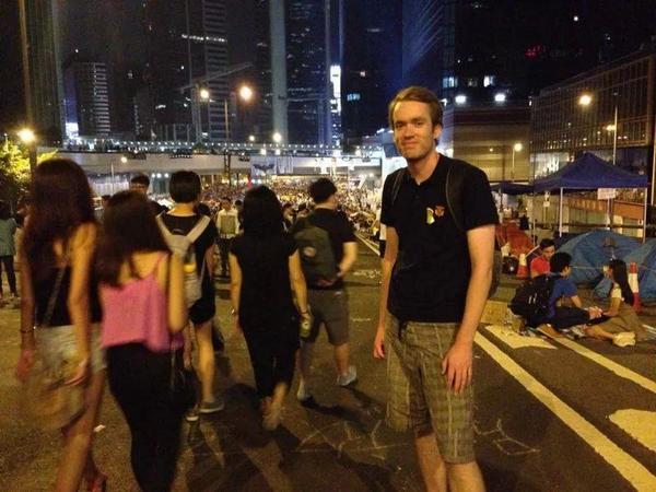 最近在香港支持 #雨伞革命, 明天再要回国, 会想念香港。 http://t.co/T8EF36Swqb