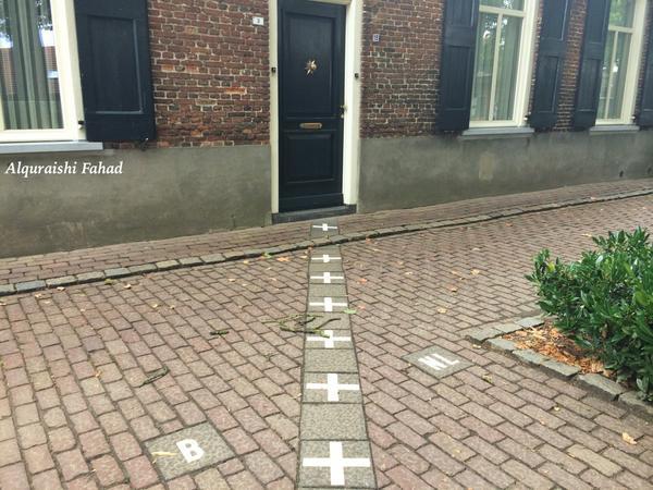 دليل المسافر On Twitter مدينة باريل ناساو Baarle Nassau ذات الحدود المشتركة بين هولندا و بلجيكا رق ي التعايش السياسي تصويري إحداثيات Http T Co A3xmno6zrh