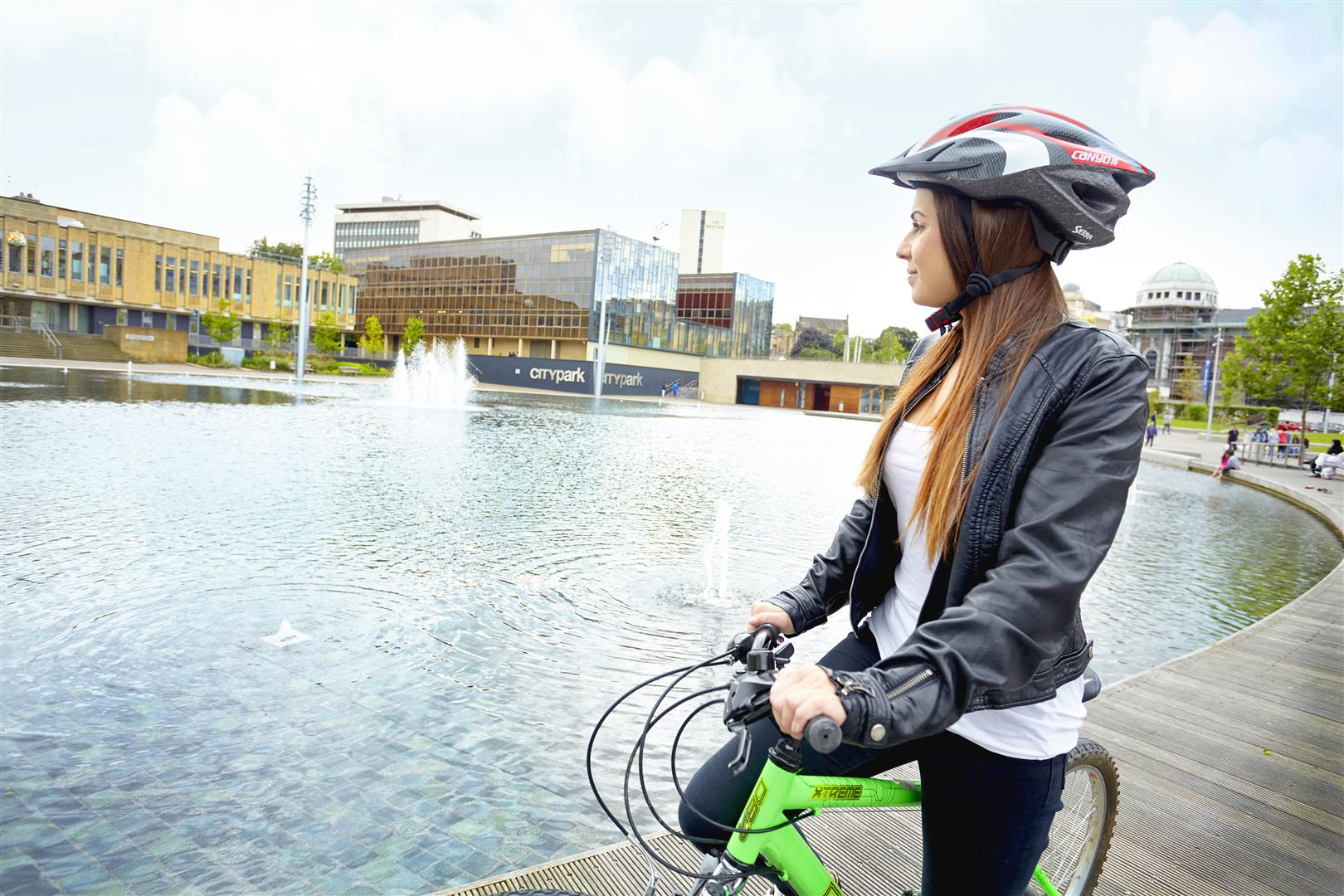 FREE cycling inspired public events happening at #cycleactivecity in #Bradford, 11 May. @bradfordmdc  @CityParkBD   https://t.co/kkN5U9LxjF https://t.co/W2WiCrb0It