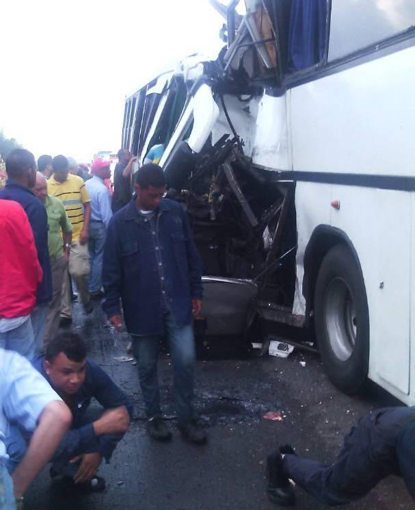 Mueren 13 en accidente de autobús en Venezuela