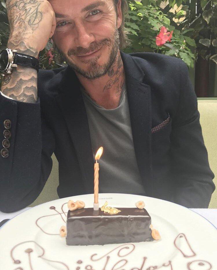 Happy birthday! We all love u so much x #specialday! X VB 🎂 https://t.co/d9EYr9TnPo
