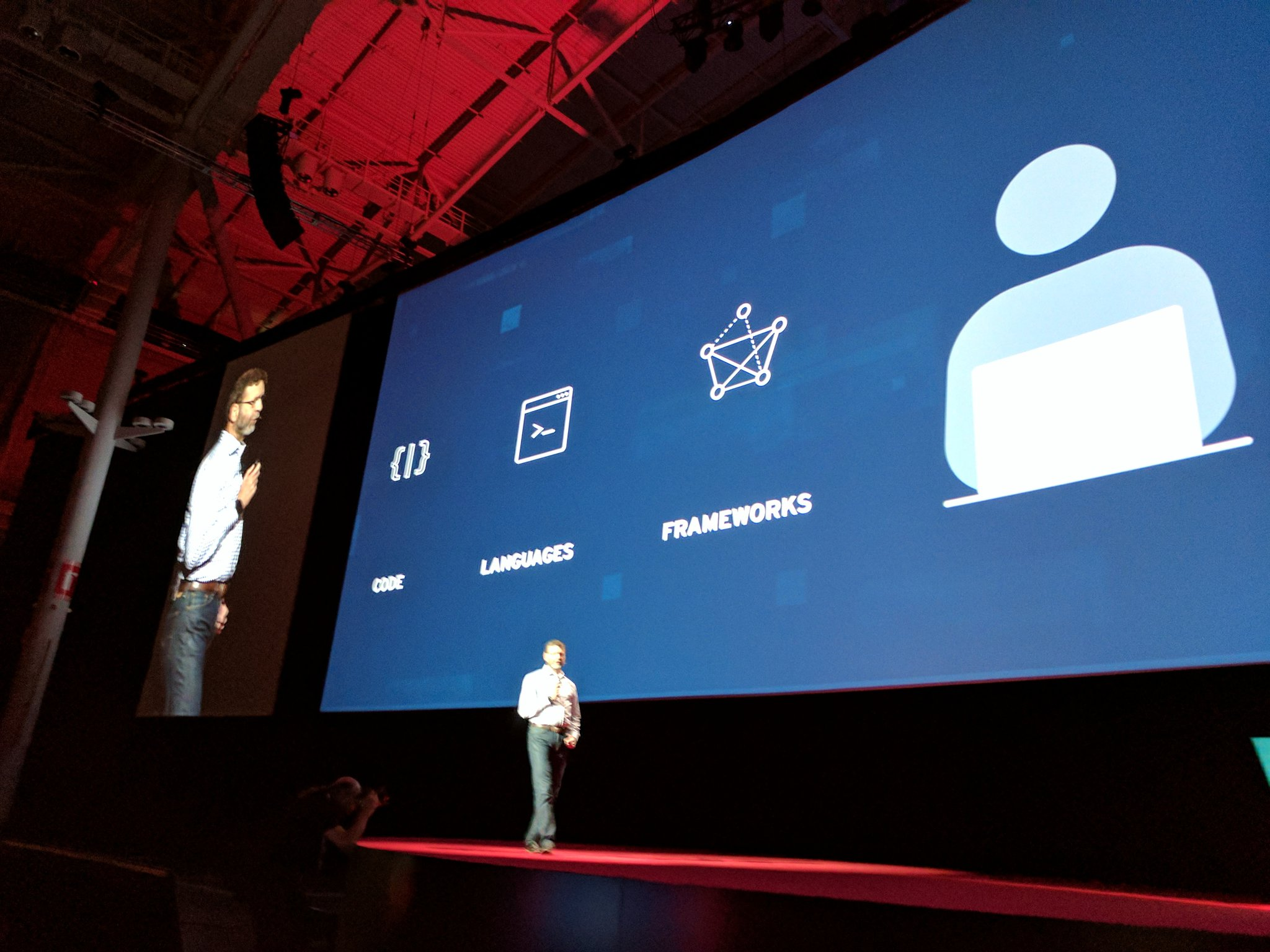 Cormier is now on to...  the developer. #rhsummit https://t.co/J5wRAf4wn1