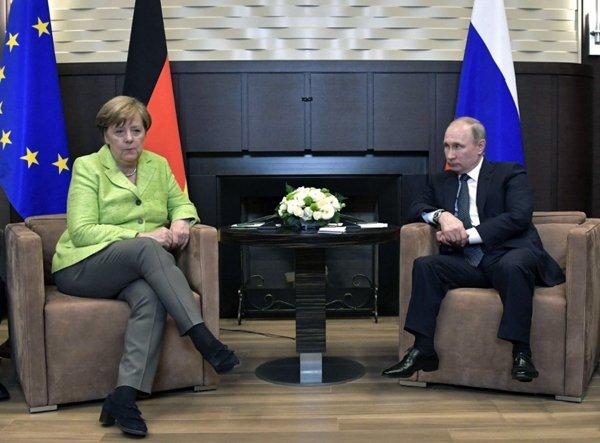 Путин и Трамп высказались за личную встречу в Гамбурге на саммите G20, - пресс-служба Кремля - Цензор.НЕТ 796