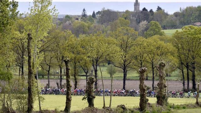 Les plus belles images du #Tour de #Bretagne cycliste | via @ouestfrance  https://www. ouest-france.fr/sport/cyclisme /tour-de-bretagne/les-plus-belles-images-du-tour-de-bretagne-cycliste-4964425  … pic.twitter.com/jbV7evicAK