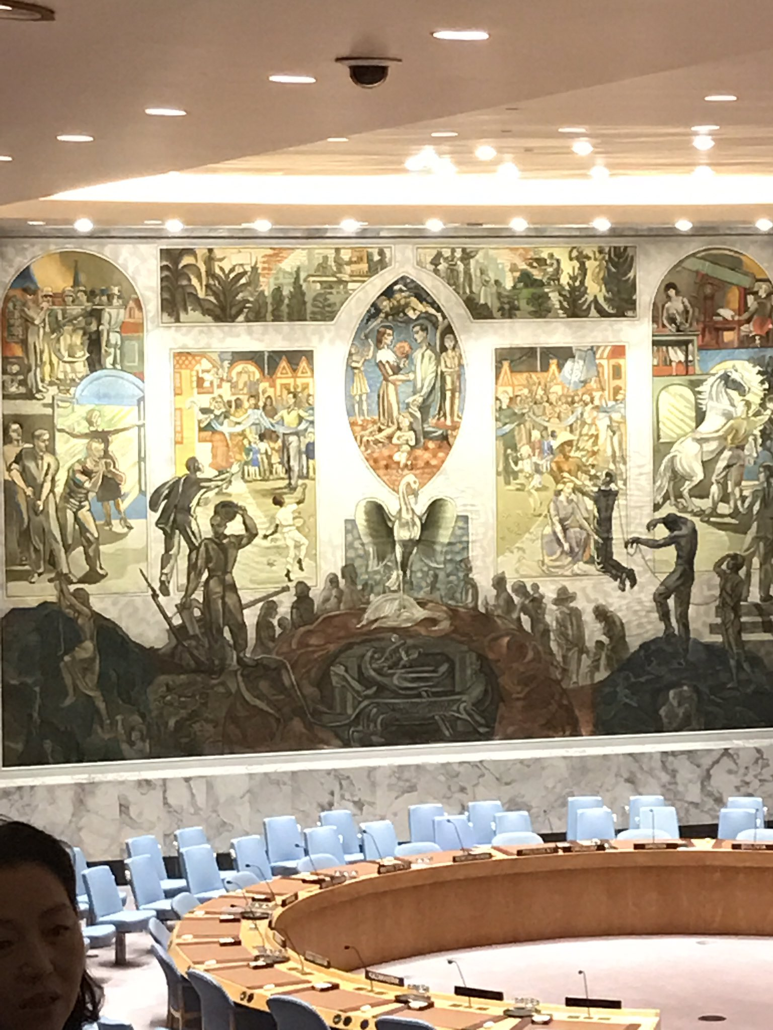 The mural is a guy from #Norway- nite the symbolic Phoenix in the center. #UnitedNations https://t.co/qjBpqe2aFP