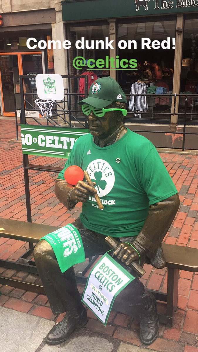 Come try Red on a one-on-one as the @celtics gear up for another win! @tdgarden https://t.co/dVSDWjZBTW