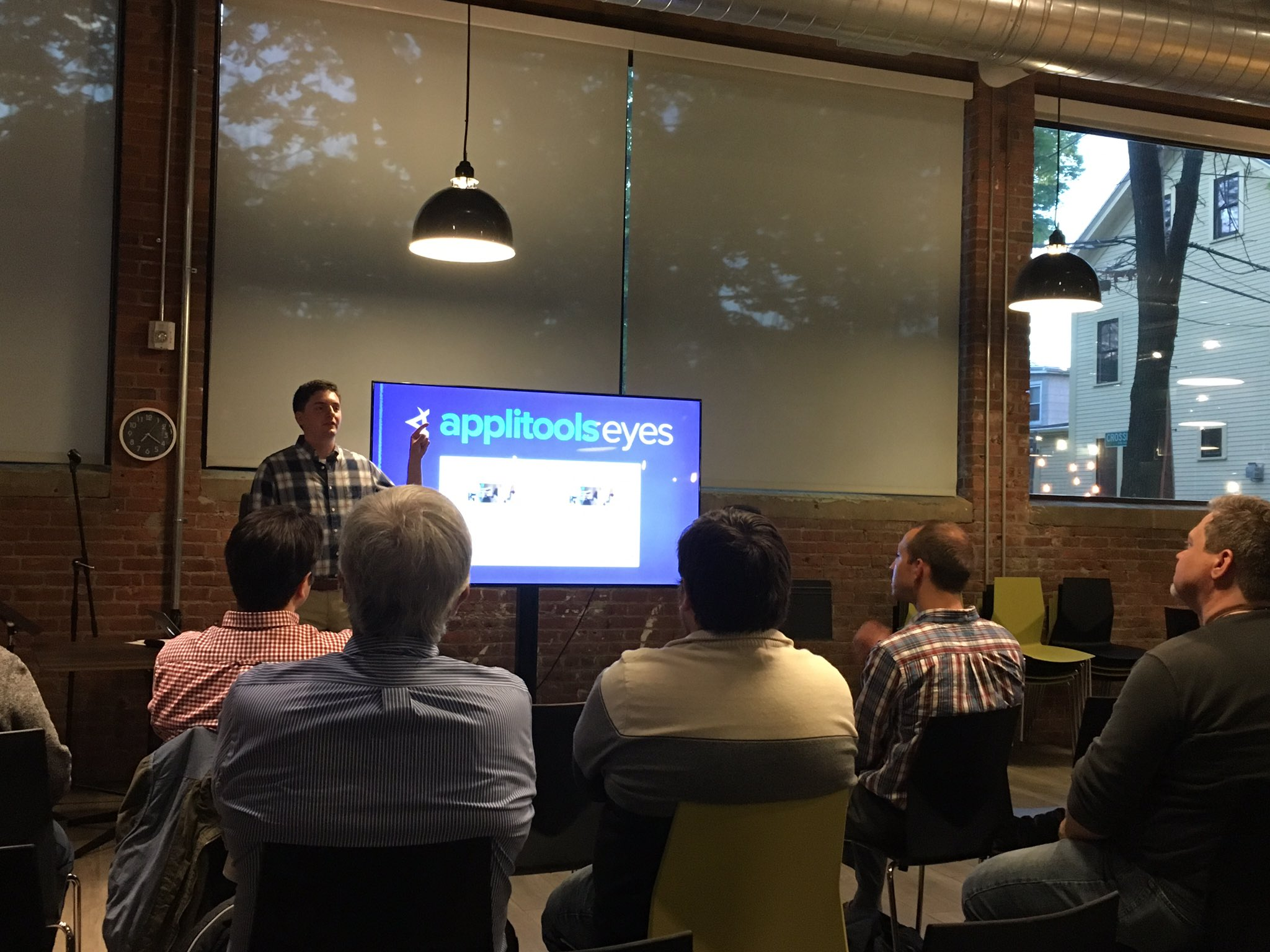 We have @bcjordan, our speaker, talking about @ApplitoolsEyes, tonight's sponsor for @Ministryoftest-Boston. https://t.co/2DQmP5r08Y