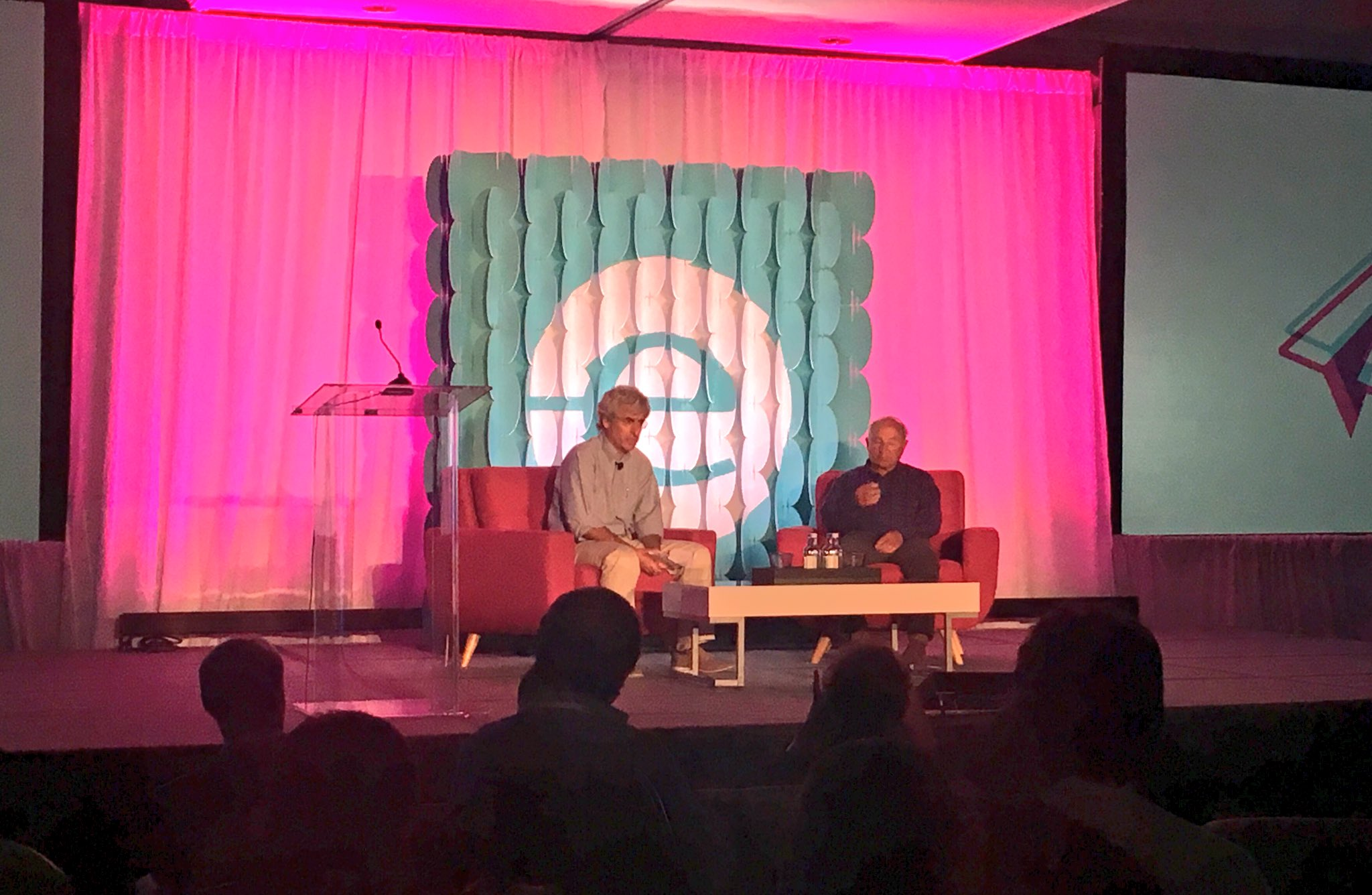 """I don't like being told what to do and I don't like telling people what to do"" @patagonia Founder Yvon Chouinard #endeavorretreat https://t.co/fT8m3eSEGL"