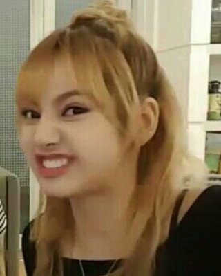 On Twitter Fact About Lisa She S Wants To Be A Meme Queen And