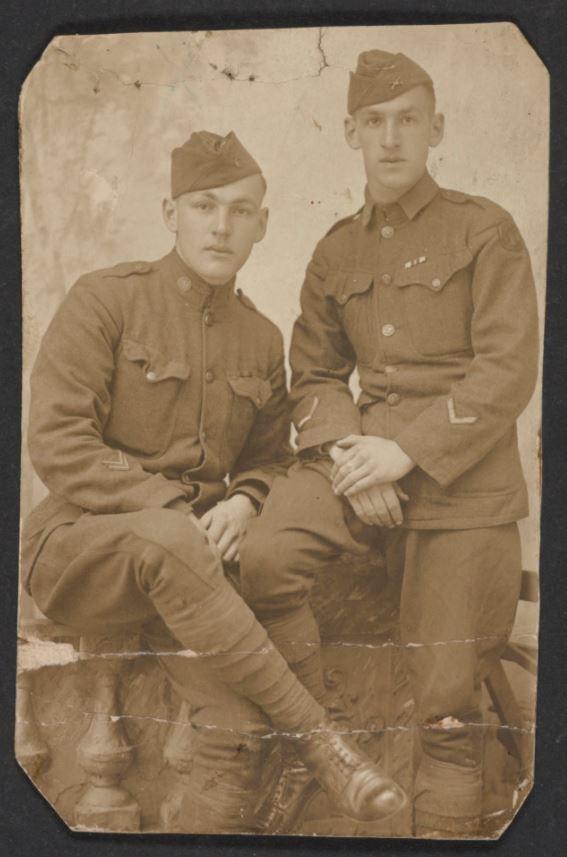 World War I: Footlocker's Contents Reveal Soldier's Story #WW1 https://t.co/7pIy51ve2w https://t.co/zW9jDASXFz