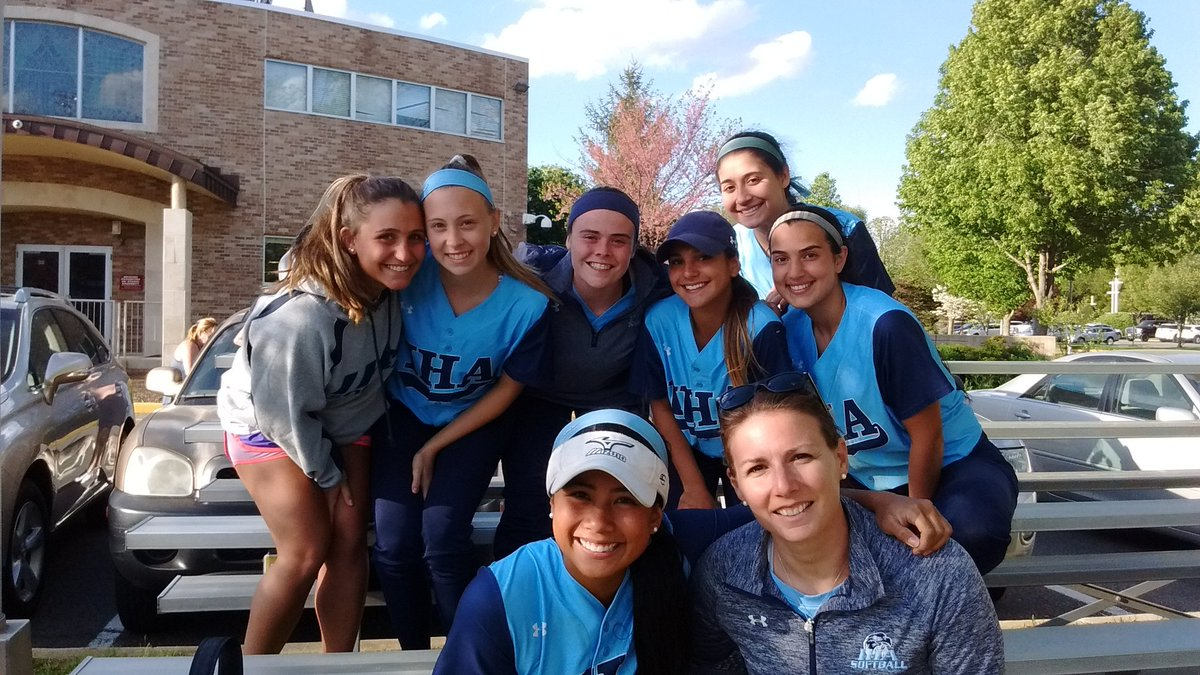 @ihasoftballnj has a new all-time hits leader in Reese Guevarra! She now has 187 for career, and counting. #sundaysilence #sweetcaroline<br>http://pic.twitter.com/GitgG6JRZh