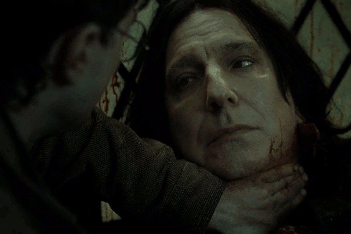 'Editor me viu chorar': Autora de Harry Potter se desculpa por morte do professor Snape https://t.co/yoMVd0Y3Iy