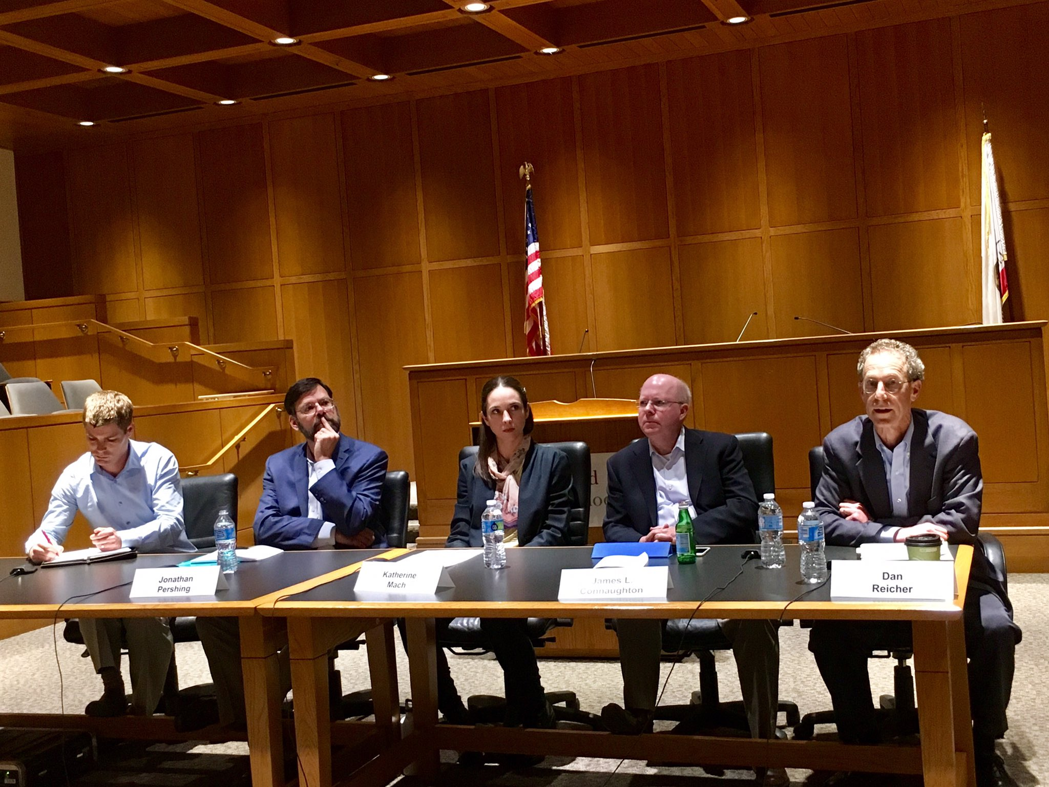 Happening now: Our bipartisan panel discussing the energy & climate implications of the Trump Administration's first 100 days @StanfordLaw https://t.co/CTEIL6SM25
