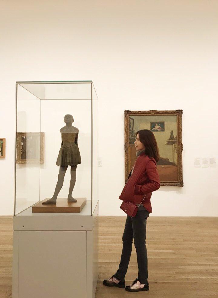Tate modern museum by Herzog & demuran https://t.co/rpITrhM0Bu