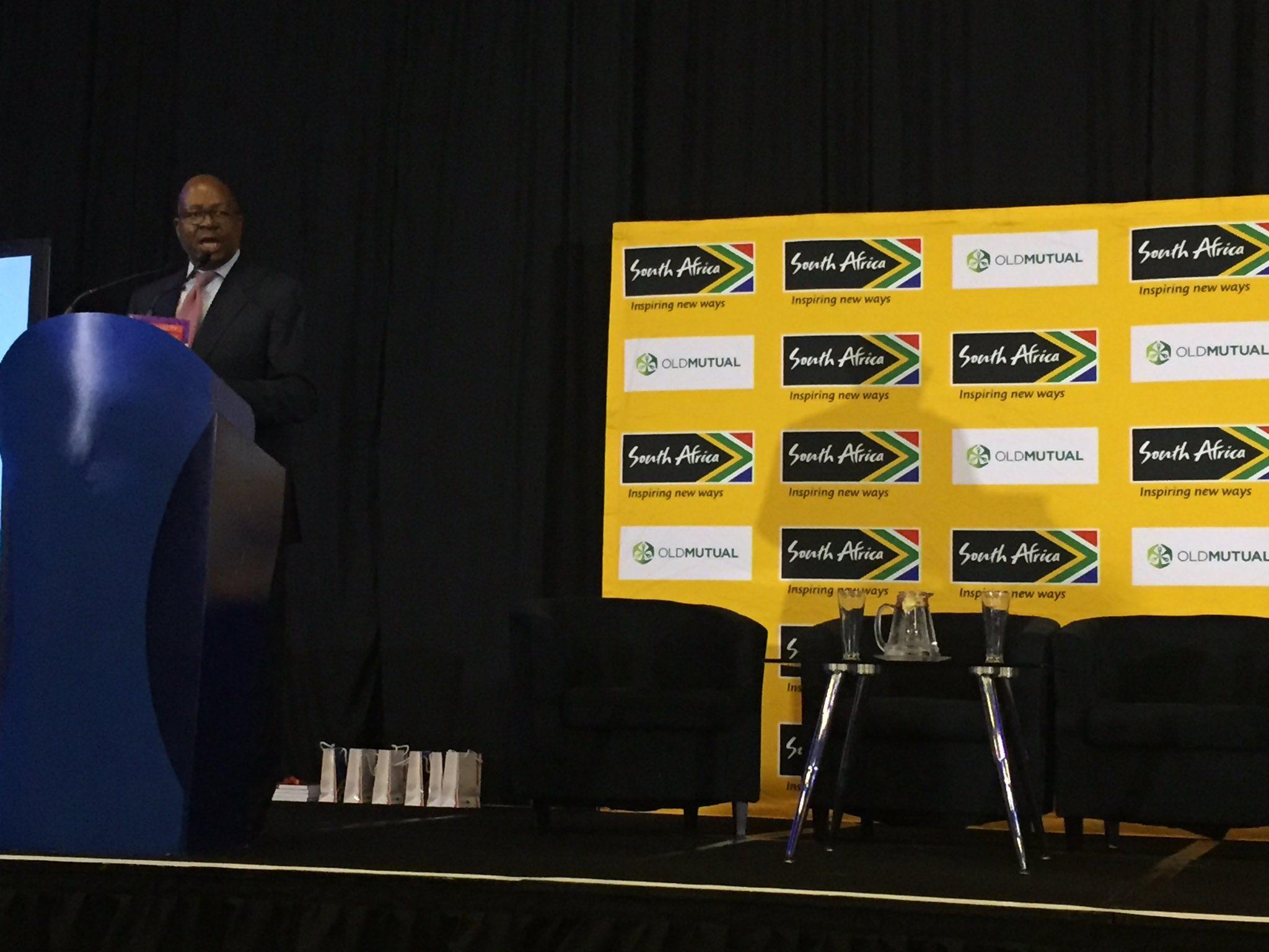 #KibgsleyMakhubela kicks off the @Brand_SA breakfast #youth #connectingAfrica #WEFAfrica2017 https://t.co/Gh0HNh3Zi6