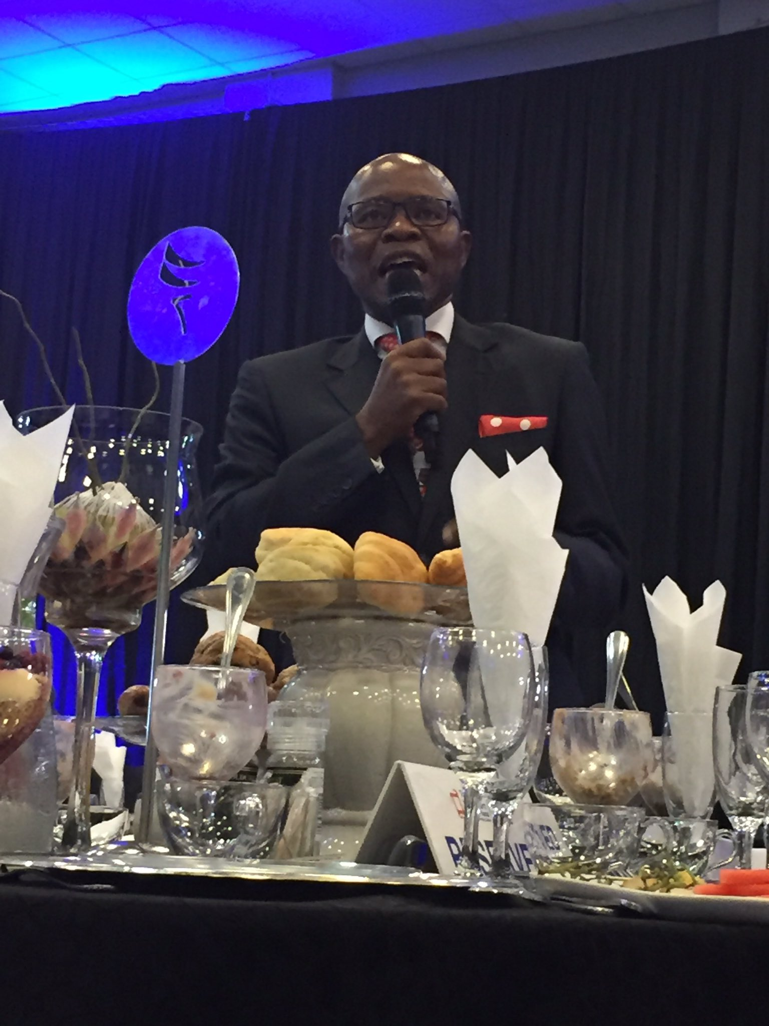 #SfisoButhelezi: today's youth must define their purpose. Youth of pre-apartheid era did #BrandSAYouthBreakfast cc @Brand_SA @Andile_Khumalo https://t.co/SpuQZRkKlv