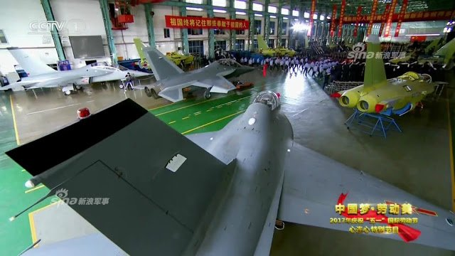 الصين تكشف النقاب عن طائرتها الهجومية الجديدة من طراز L-15B C-5N_X-XkAAH5-t