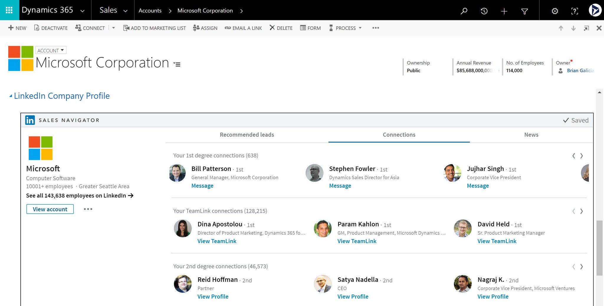 .@eboocock taking the stage https://t.co/ocnybchnLN showcasing LinkedIn and Dynamics #MSBusinessFwd https://t.co/ihFUZ2PSnC